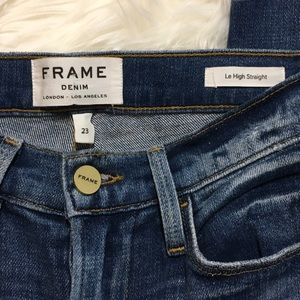 FRAME Raw Edge Cropped Jeans Medium Dark 23